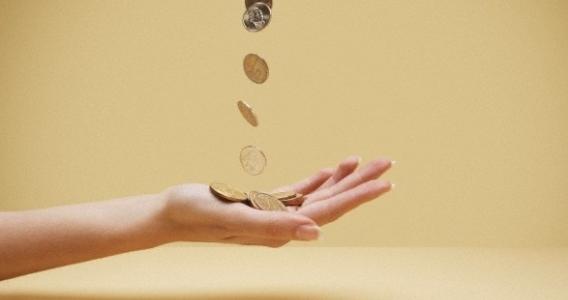 4 didžiausios elgesio su pinigais klaidos